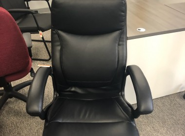 Vinyl Conference Chair with Padded Arms