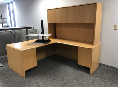 Maple L-Shaped Desk with Hutch